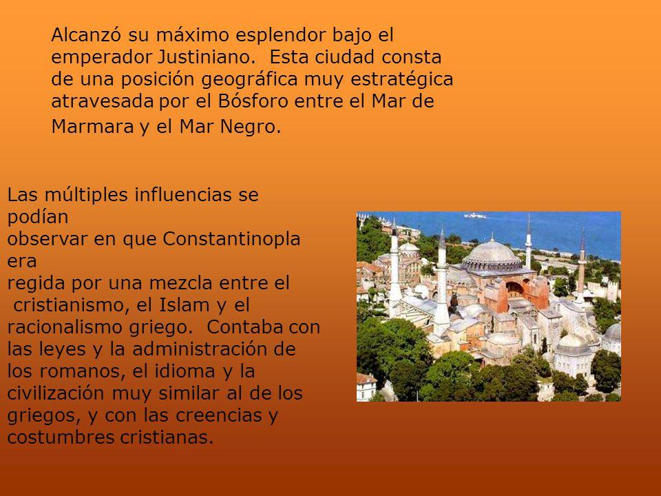 Alcanzó su máximo esplendor bajo el emperador Justiniano. Esta ciudad consta de una posición geográfica muy estratégica atravesada por el Bósforo entr