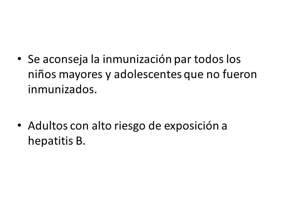 VACUNA PNEUMOCOCICA Es el agente causal en muchas enfermedades no invasivas como: Otitis media aguda Sinusitis Neumonía