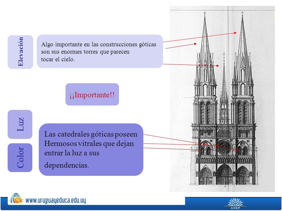 Algo importante en las construcciones góticas son sus enormes torres que parecen tocar el cielo. Las catedrales góticas poseen Hermosos vitrales que d