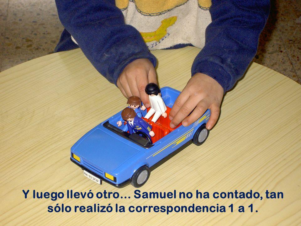 Martín comenzó a levantar bomberos para el camión...