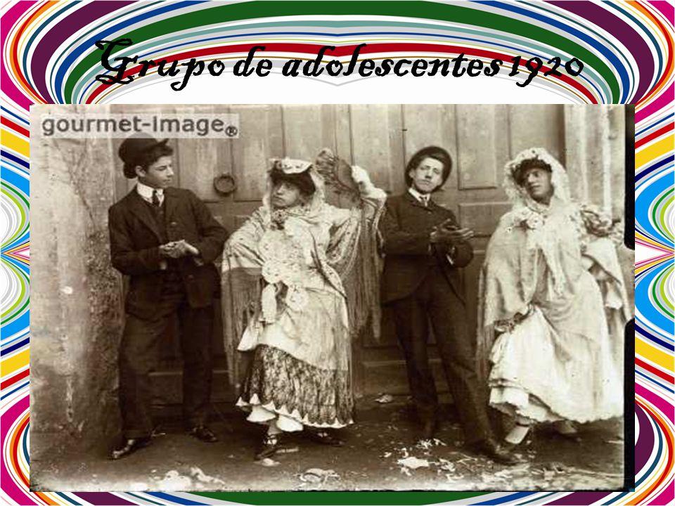 Grupo de adolescentes 1920
