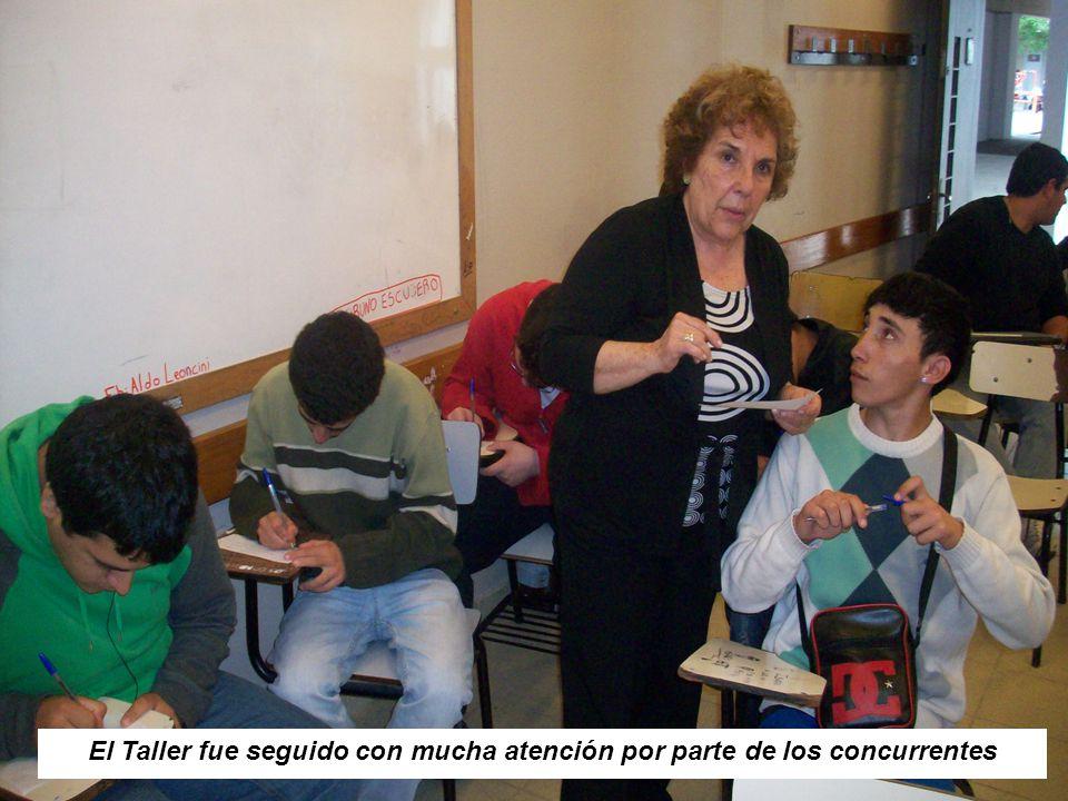 Las docentes en charla con el Sub Director de la Escuela Mtro Téc. Álvaro Ricca