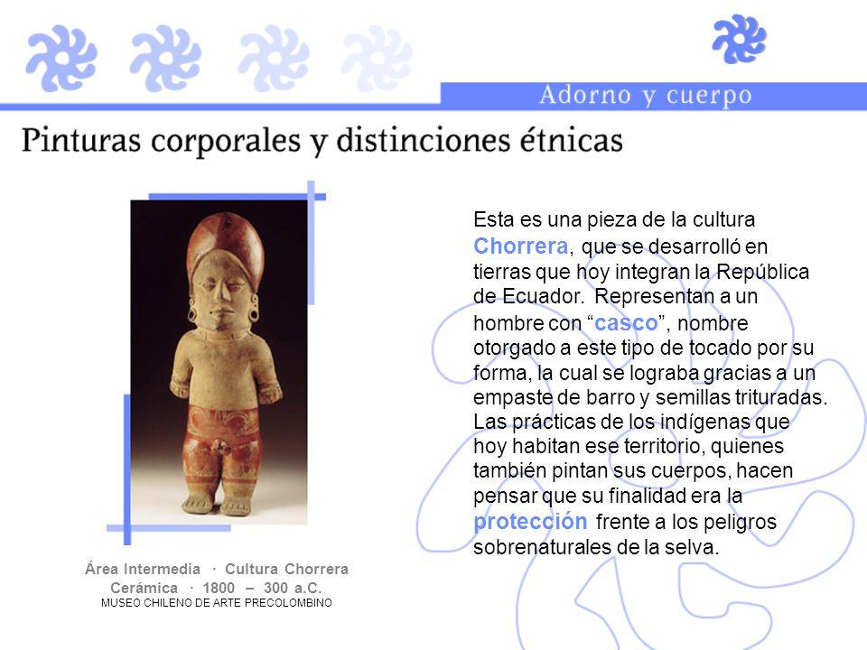 Esta es una pieza de la cultura Chorrera, que se desarrolló en tierras que hoy integran la República de Ecuador. Representan a un hombre con casco, no