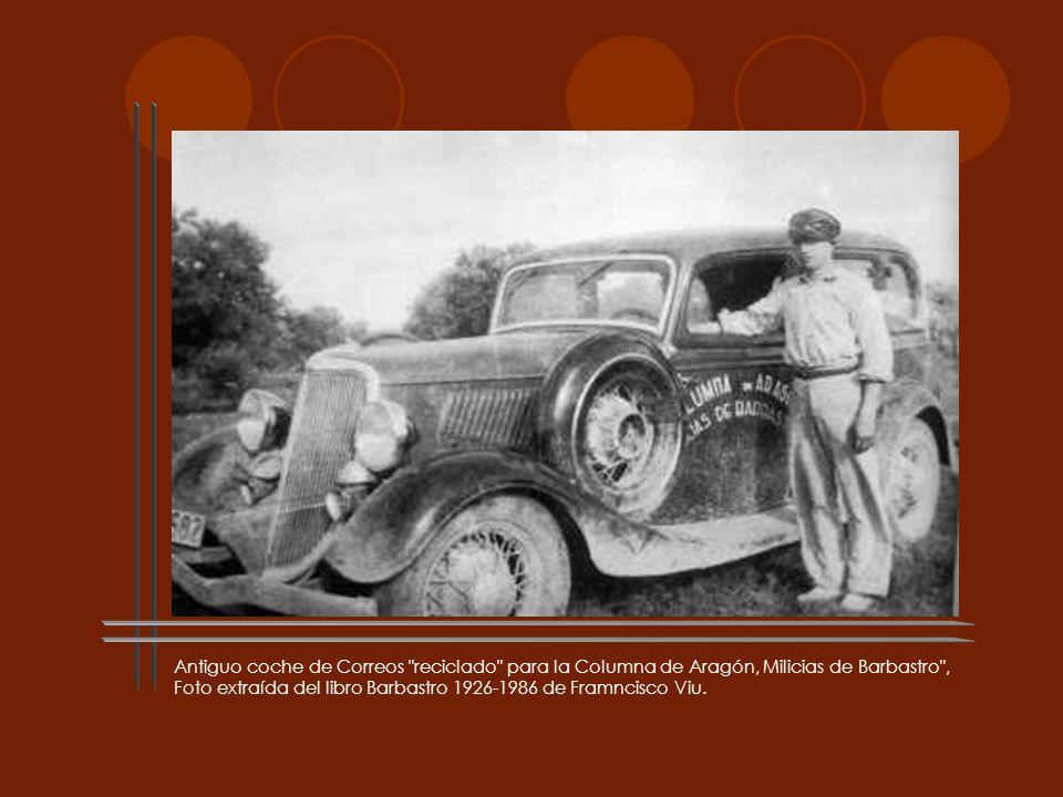 Antiguo coche de Correos