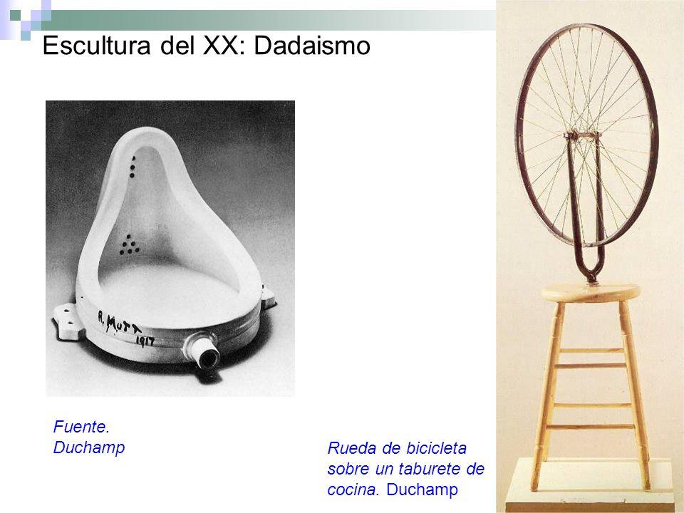 Escultura del XX: Dadaismo Fuente. Duchamp Rueda de bicicleta sobre un taburete de cocina. Duchamp
