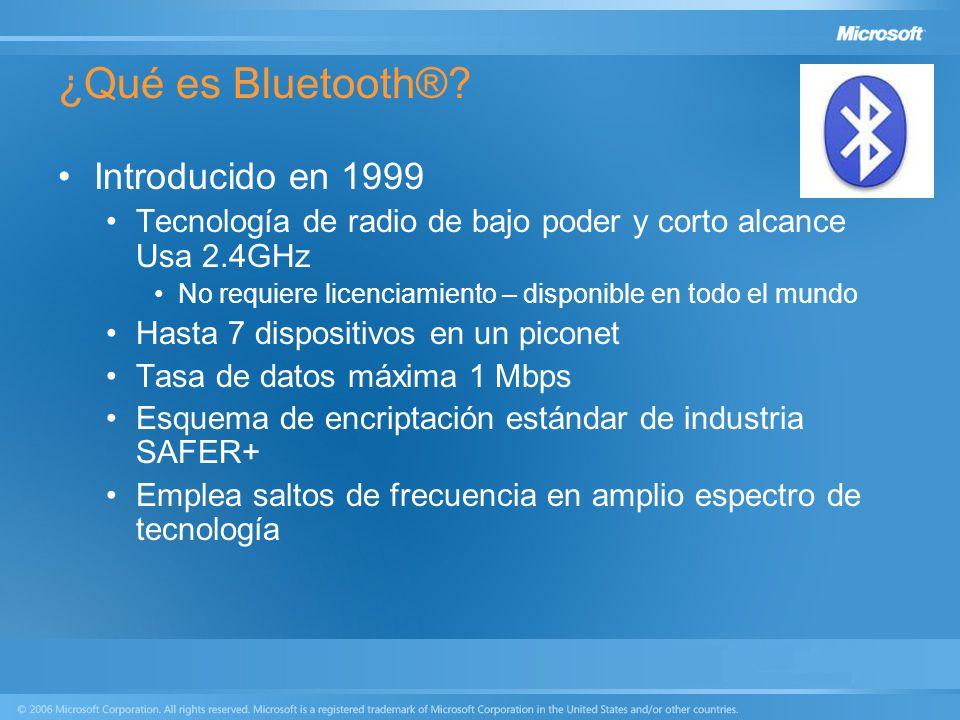 ¿Qué es Bluetooth®? Introducido en 1999 Tecnología de radio de bajo poder y corto alcance Usa 2.4GHz No requiere licenciamiento – disponible en todo e