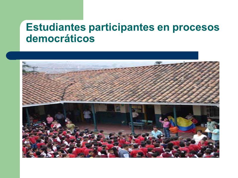 Estudiantes participantes en procesos democráticos