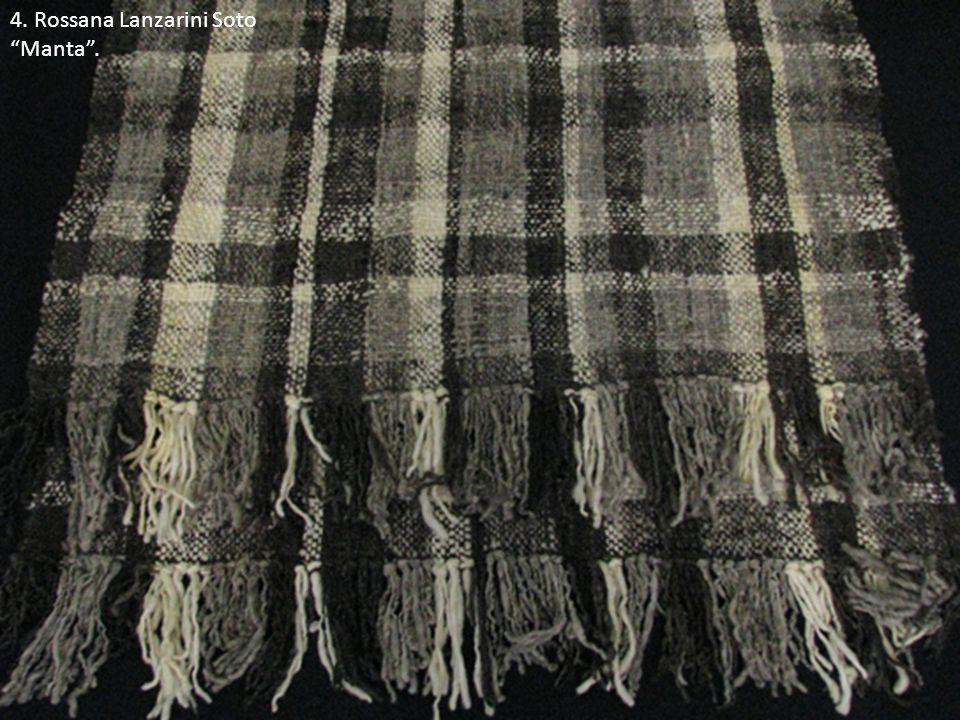5. Rosa Soto Alvarado Colección de accesorios de vestir de lana.