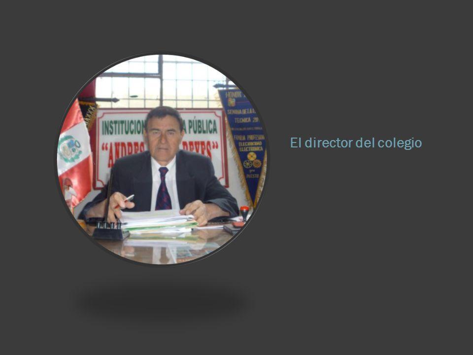 El director del colegio