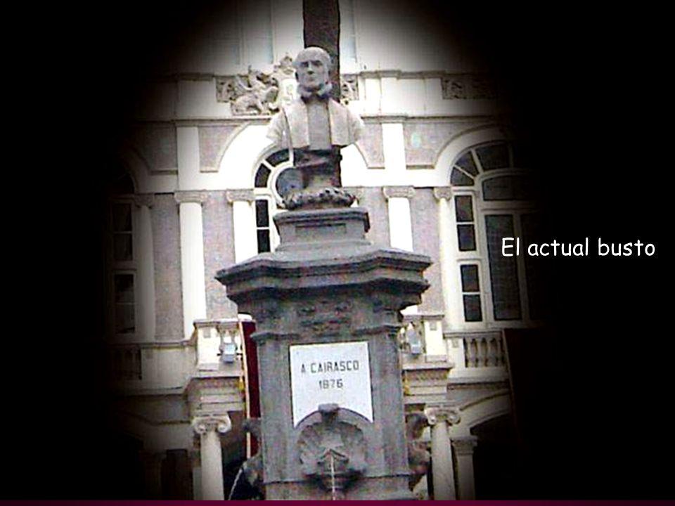 Teatro Cairasco 1895, precedido por el busto de Bartolomé Cairasco de Figueroa y jardines de la plaza.