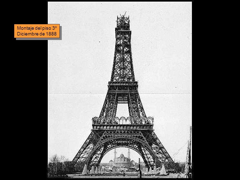 Todas las piezas metálicas de la torre están unidas con remaches, modo de construcción propio de la época en que se levantó la torre.