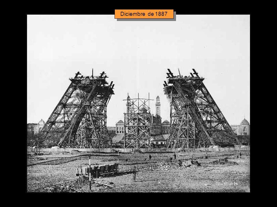 El montaje de los pilares comenzó el 1 de Julio de 1887, terminándose la obra 21 meses más tarde.