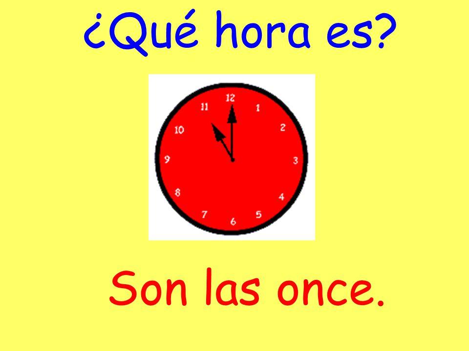 ¿Qué hora es? Son las doce menos cinco.