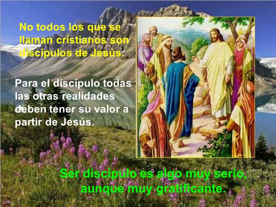 Quien quiera ser discípulo de Jesús, no le basta con ser bueno y guardar los mandamientos, sino ser persona diferente: por encima de los intereses fam