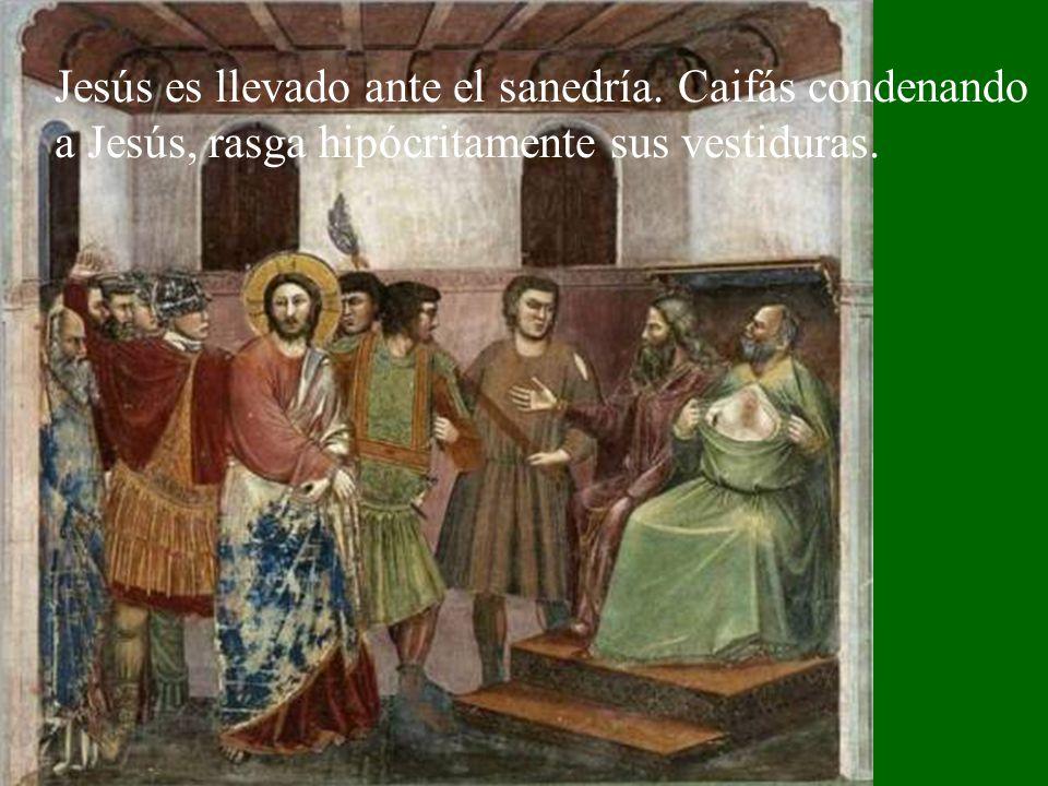 Judas llega con el tropel de gente rubricando con un beso su traición.