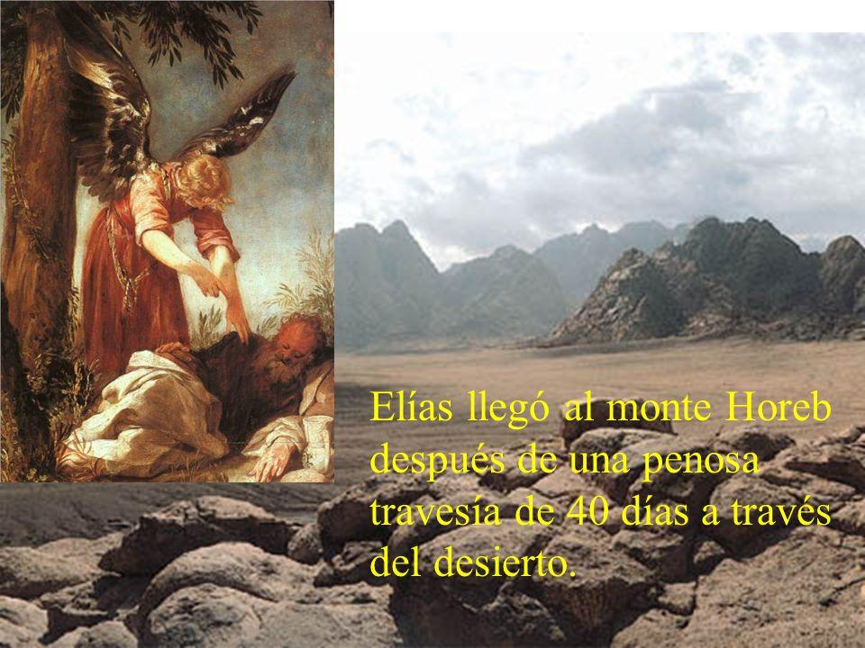 Moisés sube al monte y permanece 40 días para recibir los mandamientos de Dios.