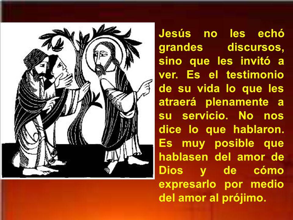 Andrés y Juan van donde Jesús y le llaman Maestro. Y le preguntan ¿Dónde vives? Con ello manifiestan un deseo de escucharle.