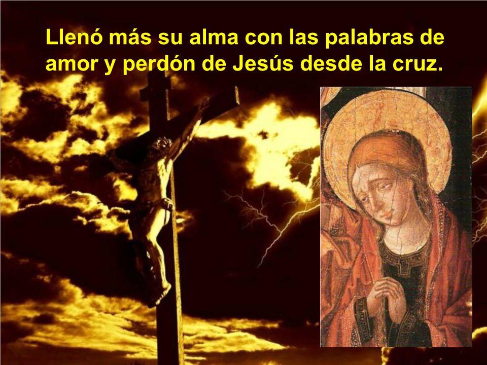 Llegó el momento de demostrar su amor a Jesús, yendo hasta el Calvario para derramar sus lágrimas a los pies de Jesús crucificado.