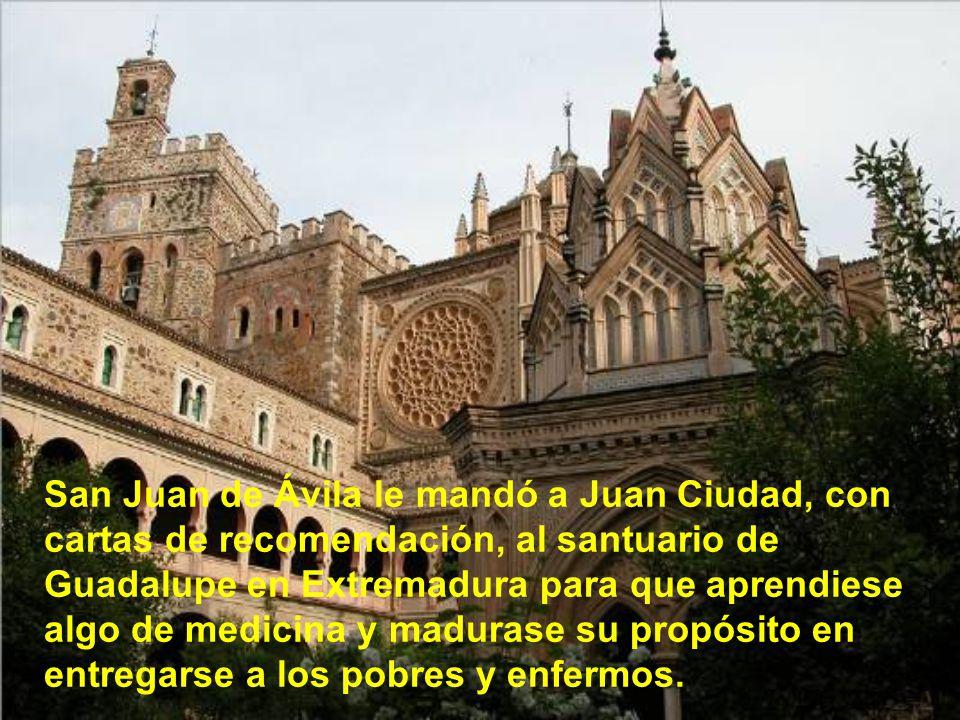 Cuando volvió san Juan de Ávila a Granada y supo que aquel, su convertido, estaba en el manicomio, logró sacarle y le aconsejó que ya no hiciera más p