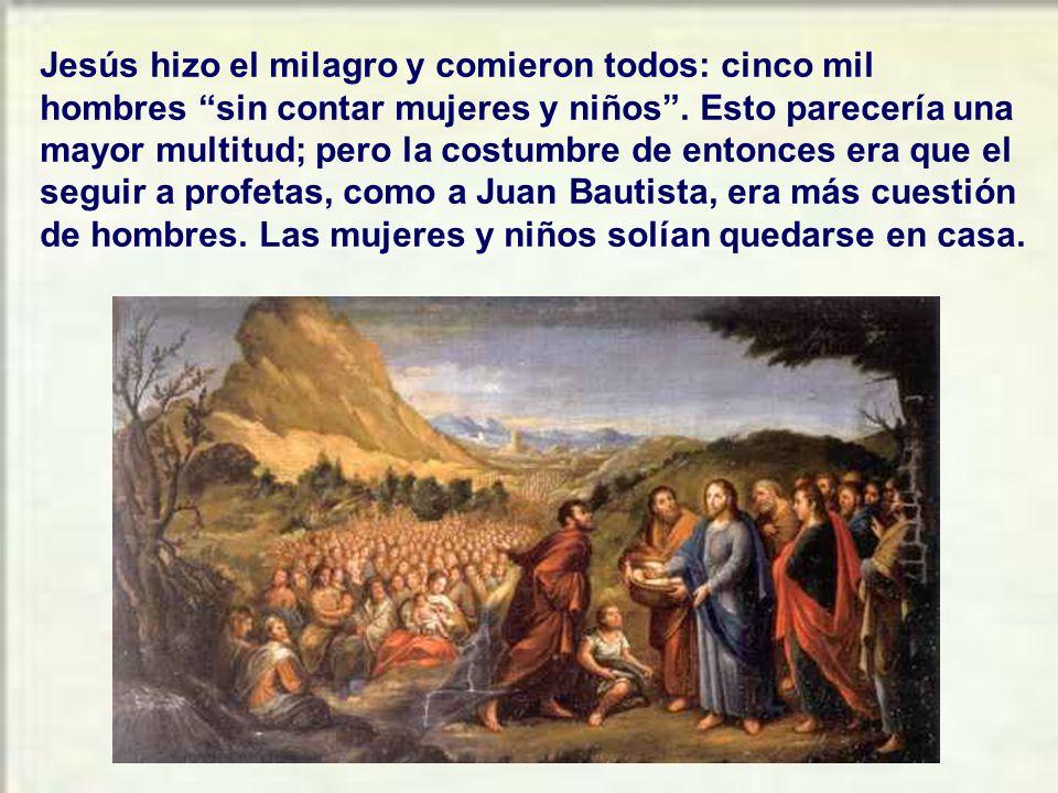 Se da allí otra especie de milagro. Y fue el obede- cer la palabra de Jesús que manda sentarse por grupos para comer. Fue un acto grandioso de fe al m
