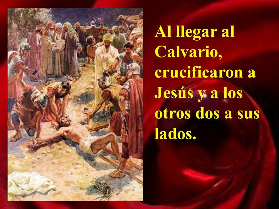 Pilato mandó hacer una tablilla, que luego pondrían sobre la cruz: Jesús nazareno rey de los judíos.