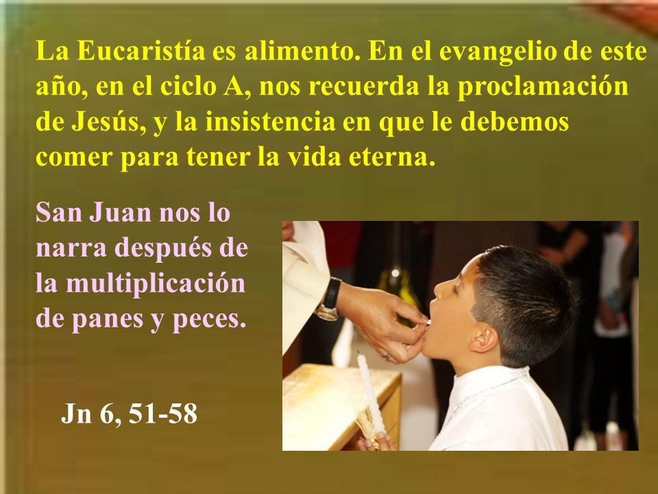 Y no sólo adoramos al Santísimo cuando sale en procesión, sino cuando vamos al templo, donde está Jesús en el sagrario.