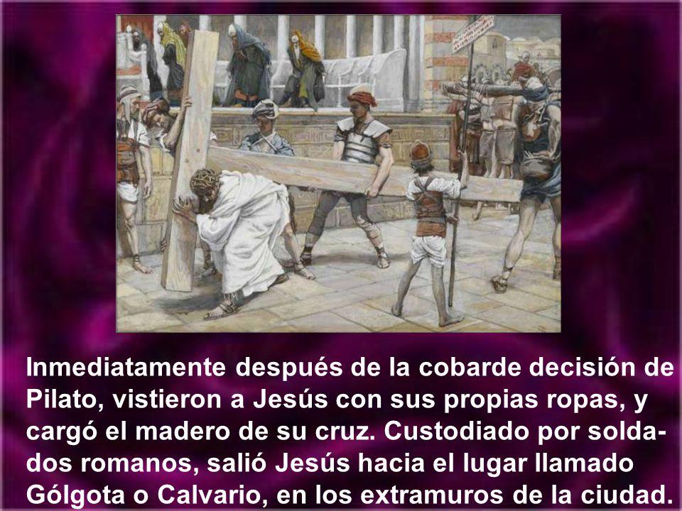 Jesús en la Cruz se ve envuelto en un mar de insultos, de burlas y de blasfemias.