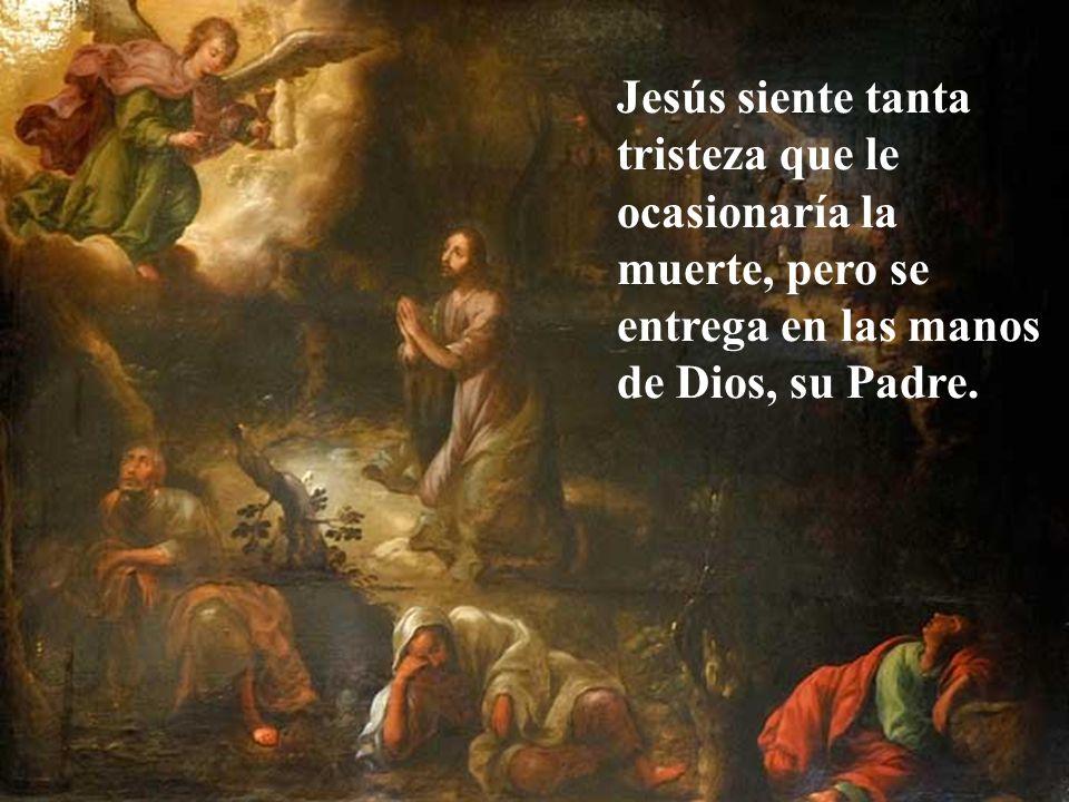 Jesús sale con los apóstoles hacia el monte de los olivos y predice a Pedro que le negará tres veces. Todos somos débiles. No prometamos por encima de