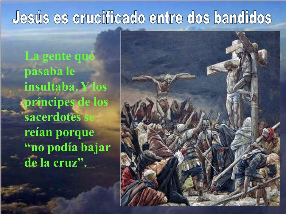Los soldados echan suertes para repartirse los vestidos de Jesús.