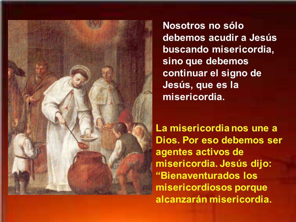 Termina el evangelio diciendo que Jesús ya no entraba en los pueblos, sino que se quedaba fuera, en descampado; y aun así acudían a él de todas partes