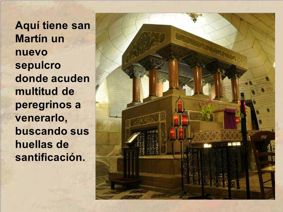 En 1860 se encontraron los restos del antiguo sepulcro de San Martín. Una iniciativa ciudadana posibilitó que en 1885 se iniciara una nueva basílica,