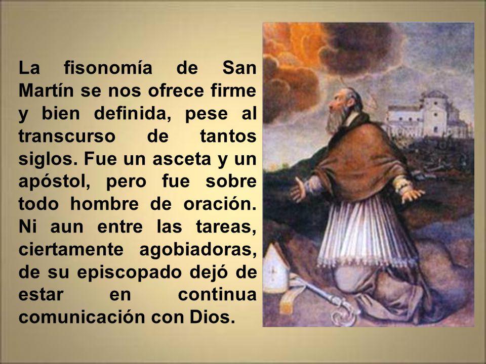 El medio manto de San Martín (el que cortó con la espada para dar al pobre) fue guardado en una urna y se le construyó un pequeño santuario para guard