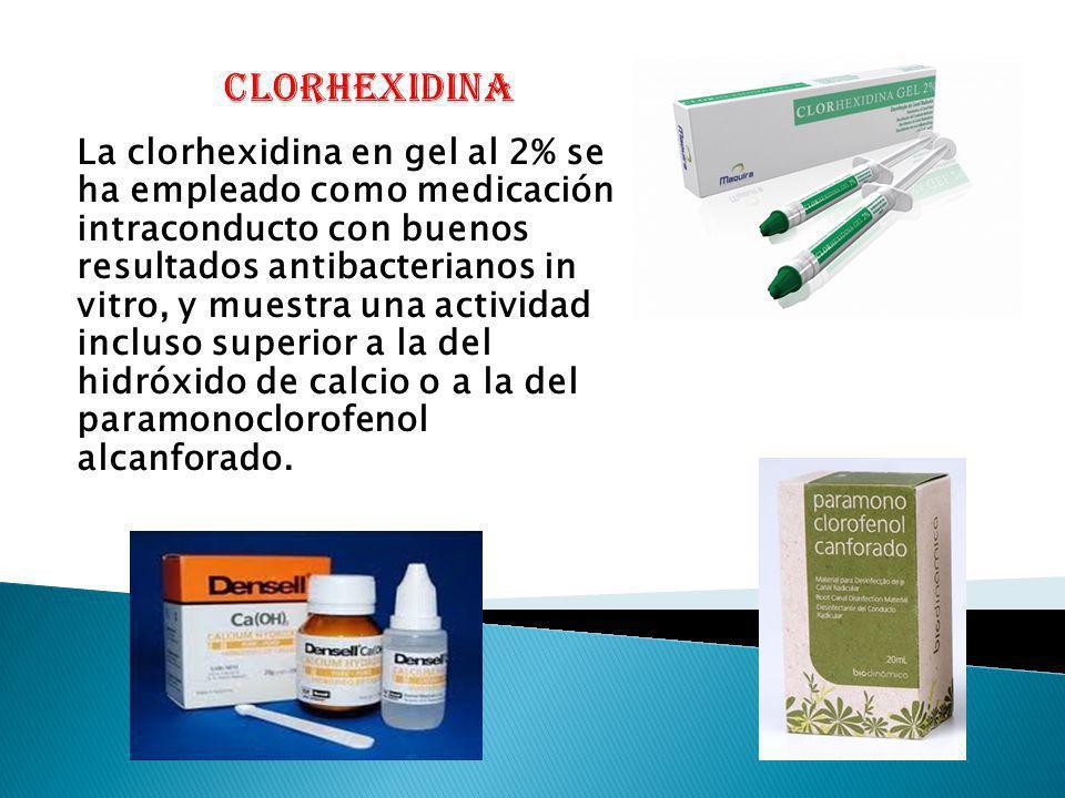 La clorhexidina en gel al 2% se ha empleado como medicación intraconducto con buenos resultados antibacterianos in vitro, y muestra una actividad incl