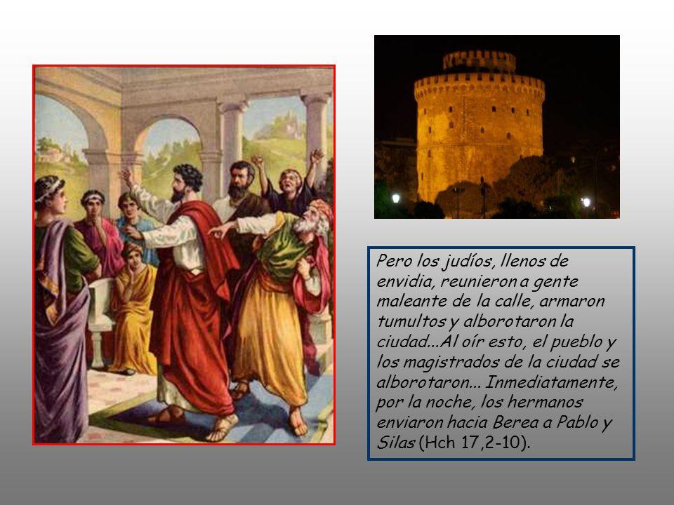 + Pablo, según su costumbre, se dirigió a ellos y durante tres sábados discutió con ellos basándose en las Escrituras, explicándolas y probando que Cr
