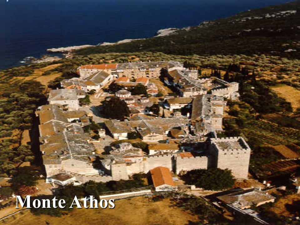 Corinto Corinto San Pablo llega a Corinto y permanece 18 meses, años 51-52: Hch 18, 1-11 Vuelve a Corinto en el invierno del 57-58 Forman parte del Nu