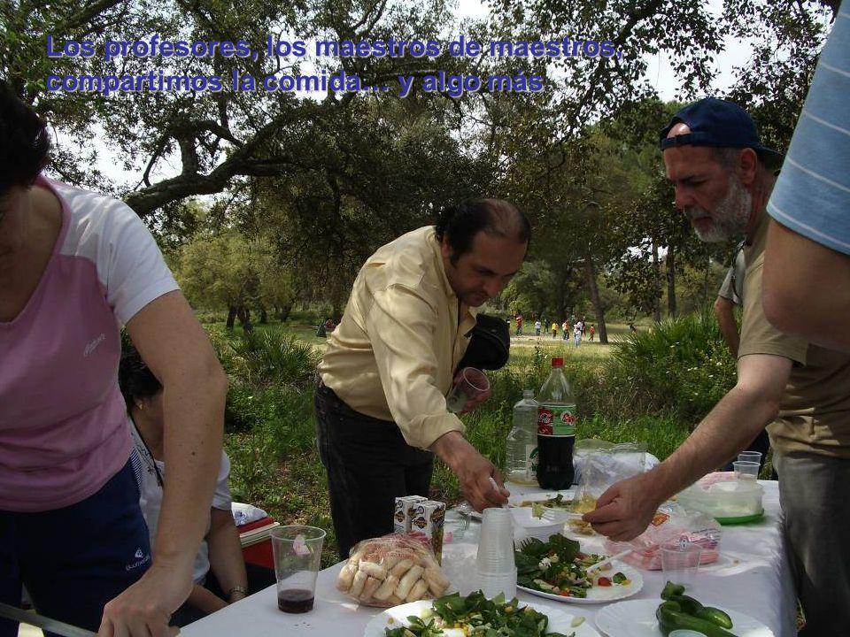 Los profesores, los maestros de maestros, compartimos la comida… y algo más