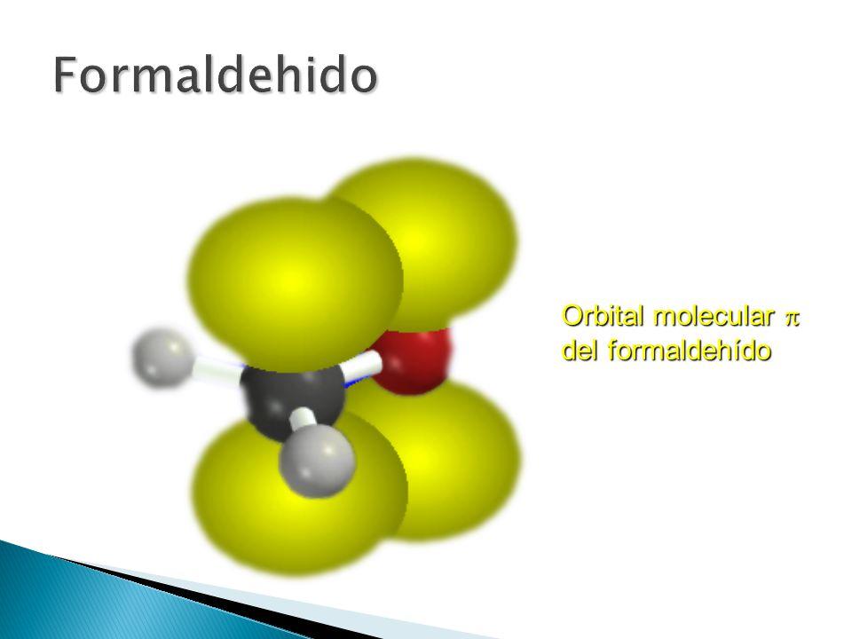 El oxígeno es más electronegativo que el carbono, por lo tanto, el doble enlace carbono-oxígeno es polar; y el oxígeno lleva la carga parcial negativa