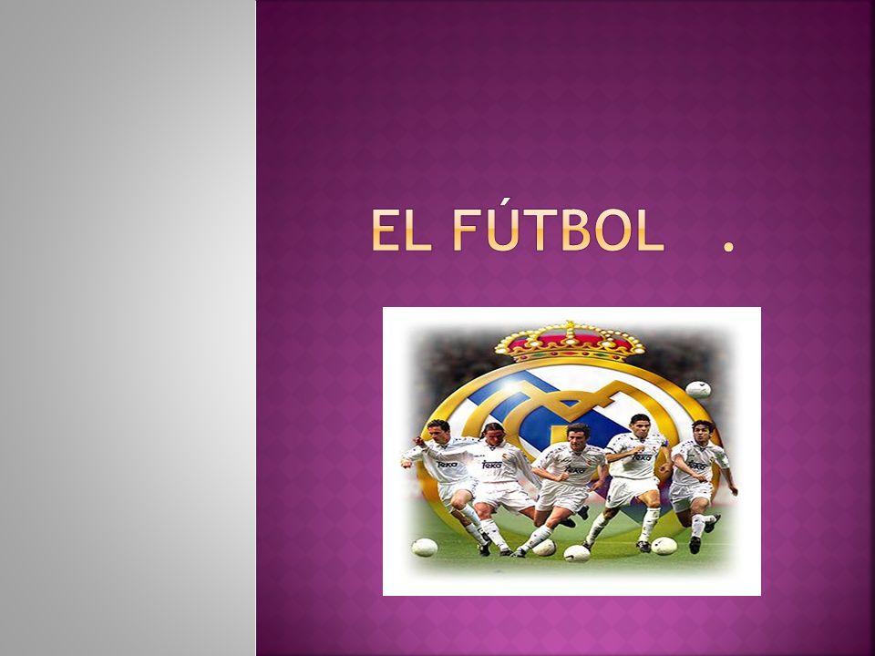 El fútbol es un deporte al que se juega con una pelota.