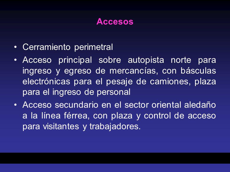 Accesos Cerramiento perimetral Acceso principal sobre autopista norte para ingreso y egreso de mercancías, con básculas electrónicas para el pesaje de