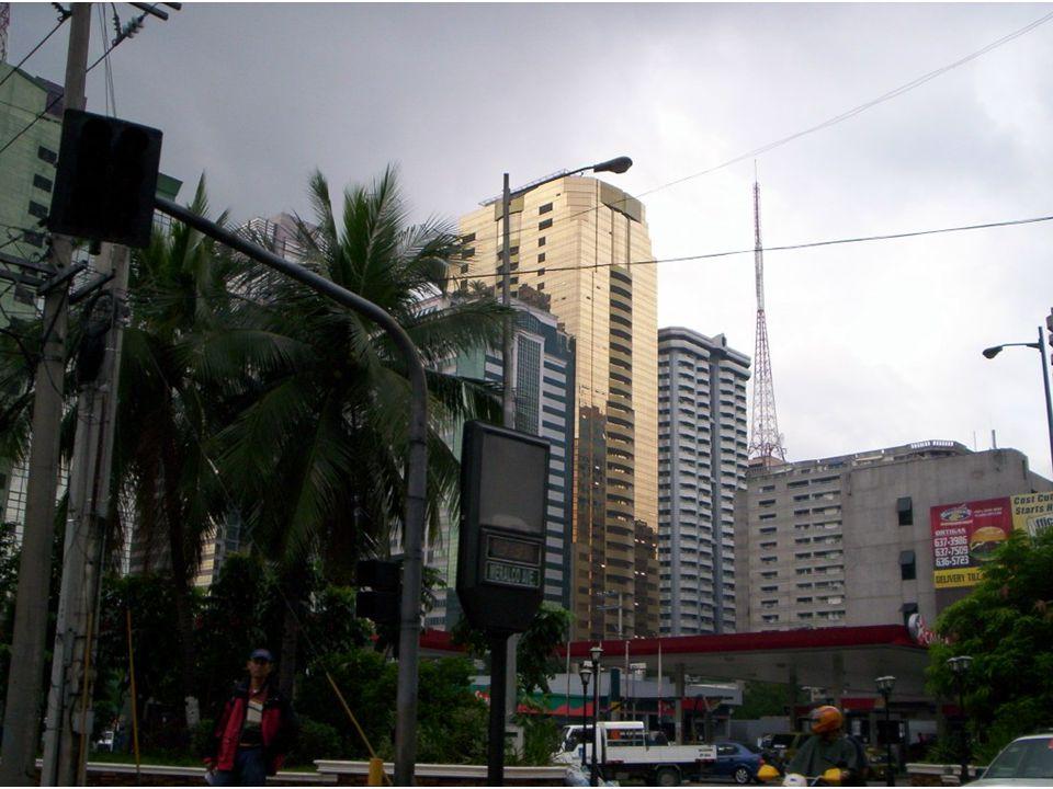 Econ ó mico Pobreza Desempleo Emigraci ó n de Filipinos principalmente a USA.