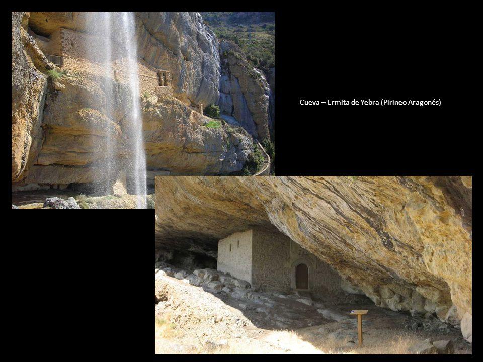 En un primer momento, parece ser que se buscó refugio en la Cueva de Yebra, en el Pirineo aragonés. De hecho, en la iglesia parroquial de Yebra se con