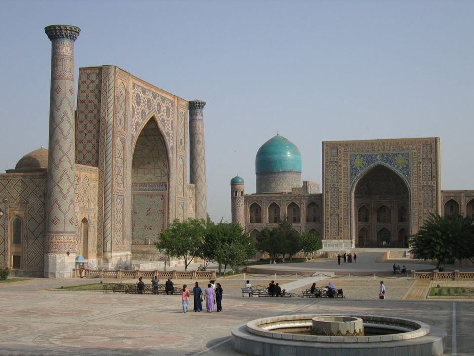SAMARCANDA Samarcanda es, junto con Bujará, una de las dos ciudades históricas de cultura tayiko-persa en Uzbekistán. La mayor parte de su población e