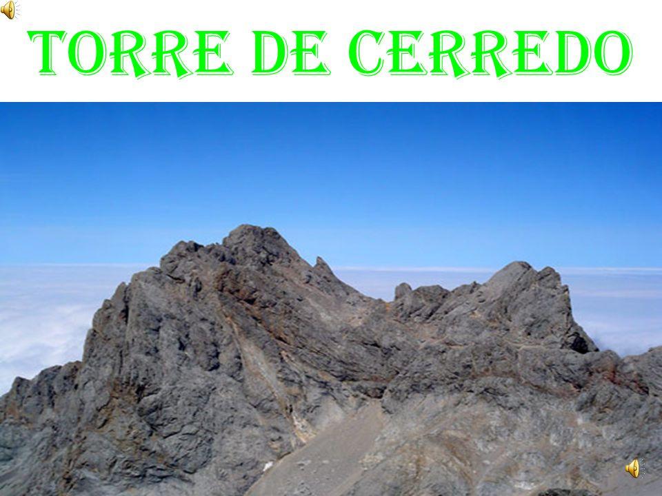 CORDILLERA CANTÁBRICA: Se encuentra al norte de la Meseta.La montaña más alta es Torre Cerredo.