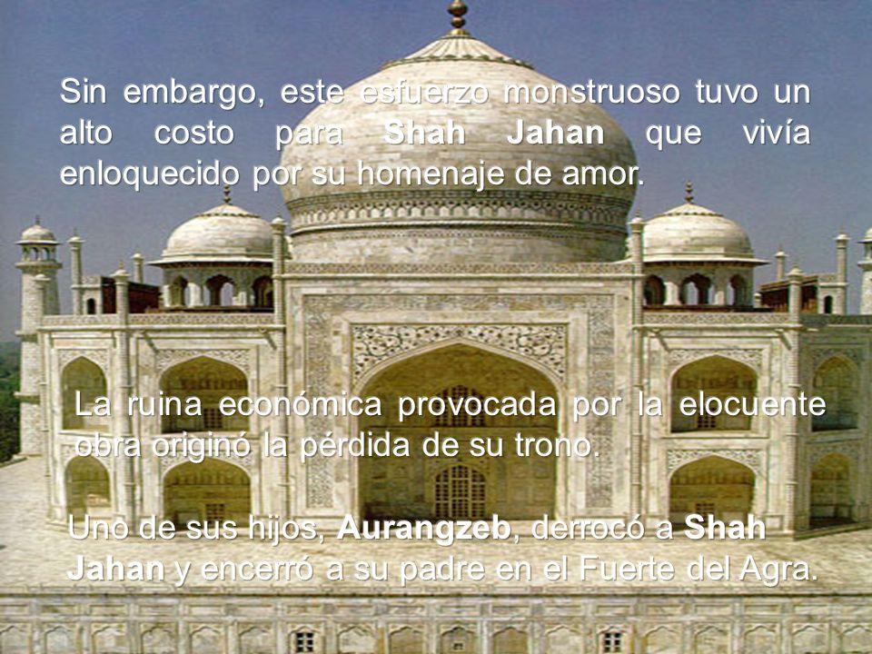 Shah Jahan comenzó la construcción del Rauza (tumba), y emplazó la construcción en los bancos del río Yamuna en 1631.