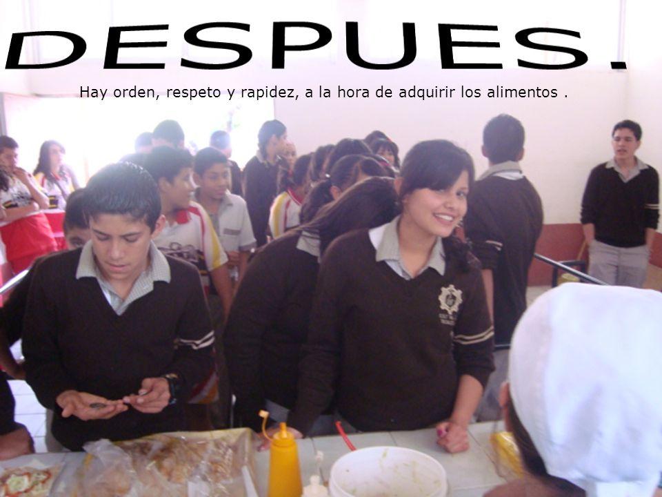 Hay orden, respeto y rapidez, a la hora de adquirir los alimentos.
