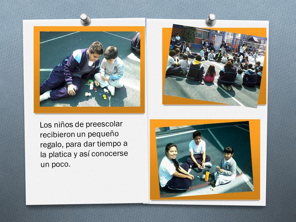 Los niños de preescolar recibieron un pequeño regalo, para dar tiempo a la platica y así conocerse un poco.