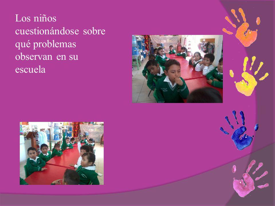 Los niños cuestionándose sobre qué problemas observan en su escuela