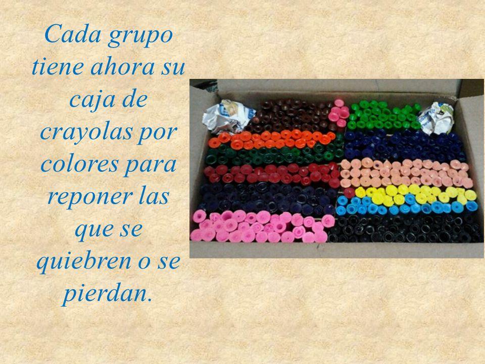 Cada grupo tiene ahora su caja de crayolas por colores para reponer las que se quiebren o se pierdan.