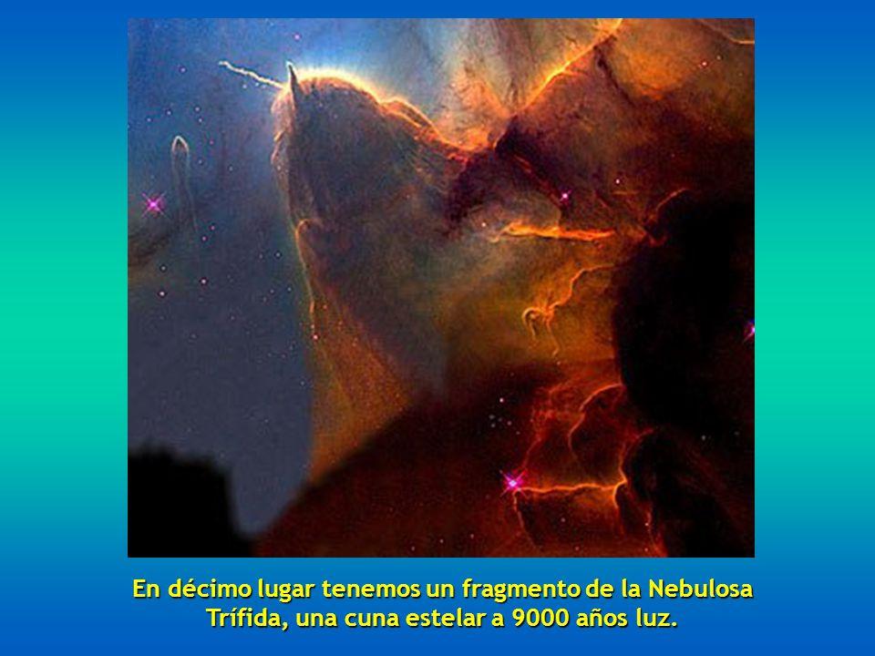 En noveno lugar, dos galaxias arremolinadas la NGC 2207 y la IC 2163 situadas a 114 millones de años luz.