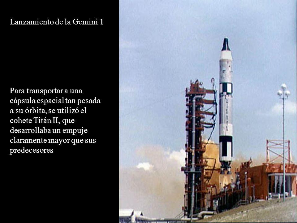 Lanzamiento de la Gemini 1 Para transportar a una cápsula espacial tan pesada a su órbita, se utilizó el cohete Titán II, que desarrollaba un empuje claramente mayor que sus predecesores
